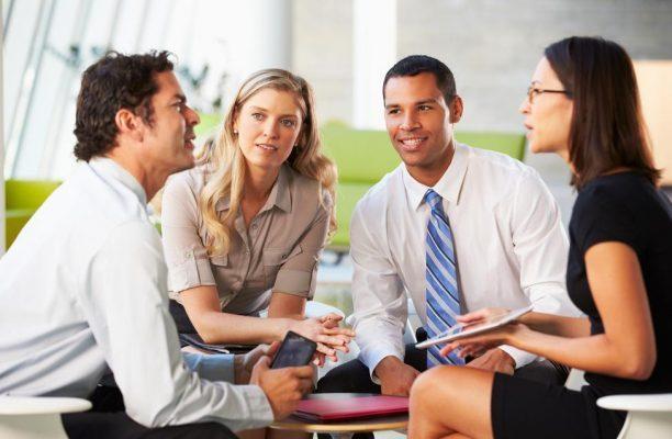 چگونه گوش دادن فعال را به کار بگیریم؟